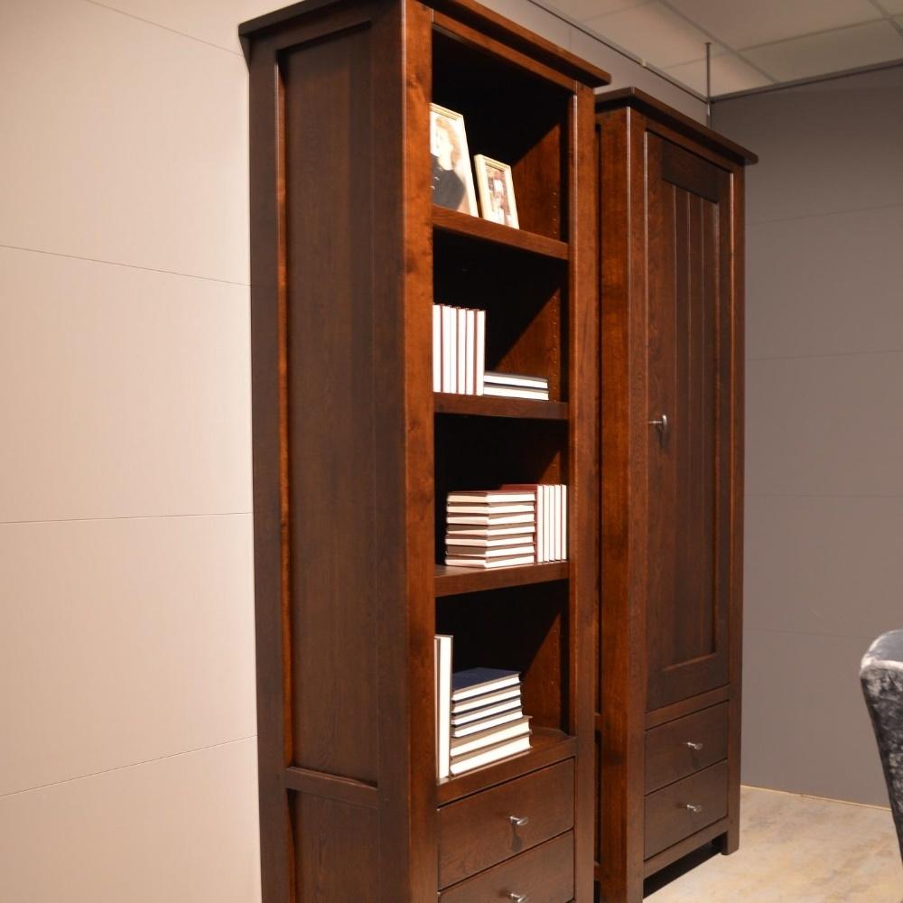 Wellington boekenkast open