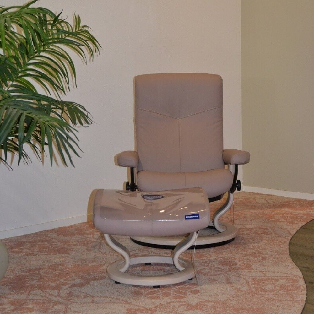 stressless-dover-met-hocker.jpg