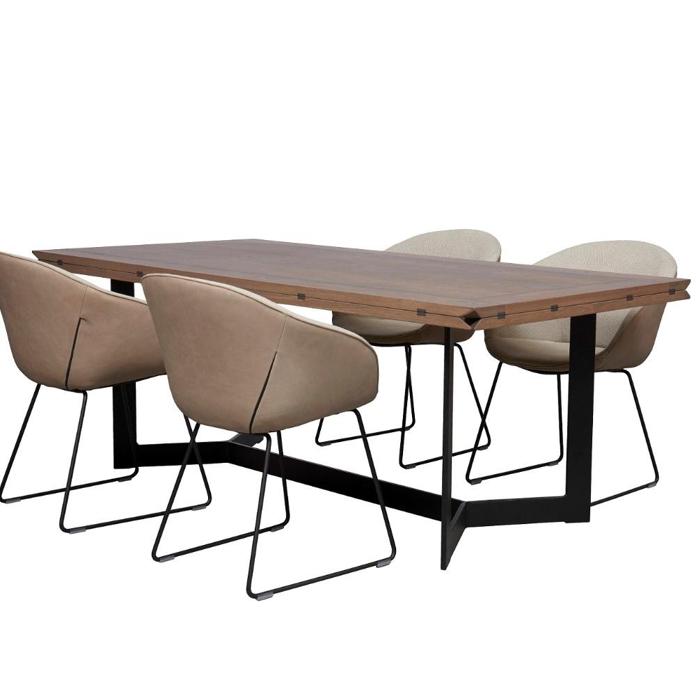 Eetkamertafel Estivo met 4 stoelen