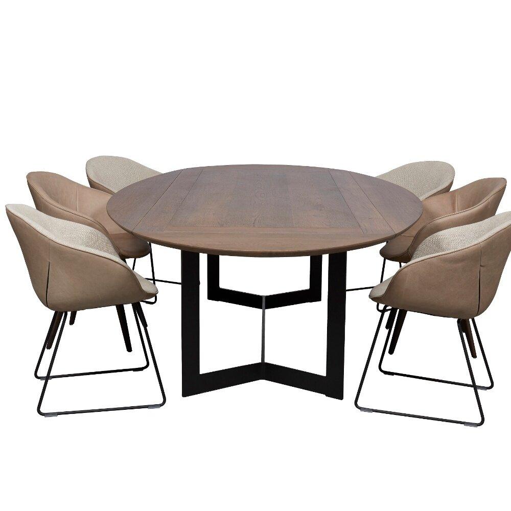 Eettafel van Estivo met zwart onderstel