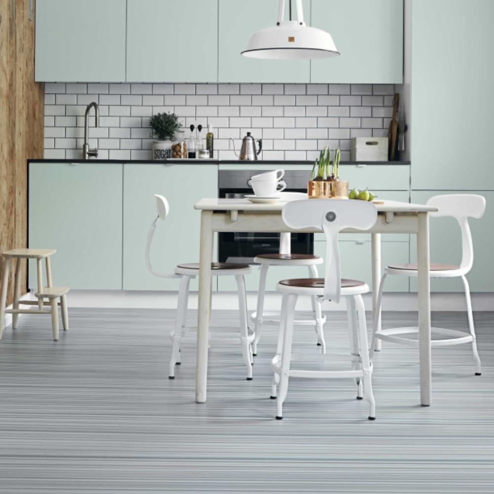 Lichtverende en comfortabele lichte vinyl vloer van Novilon